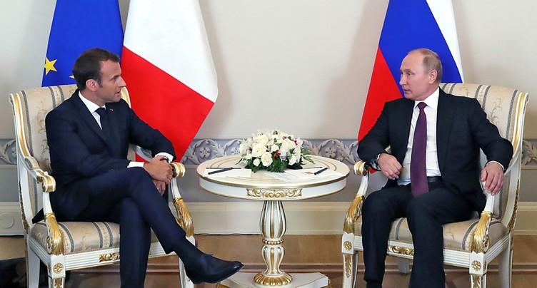Macron et Poutine affichent leur volonté de travailler ensemble