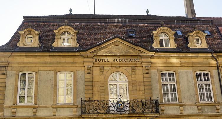 Neuchâtel et ses voisines devront revoter sur la fusion
