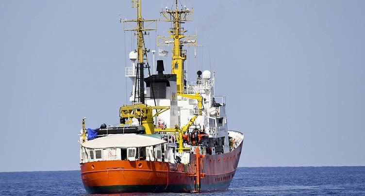 L'Italie interdit à nouveau l'accès de ses ports à une ONG