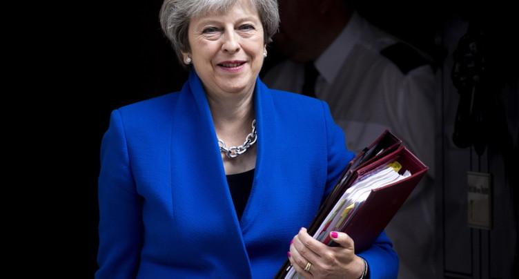 May remporte un vote crucial sur le Brexit aux Communes