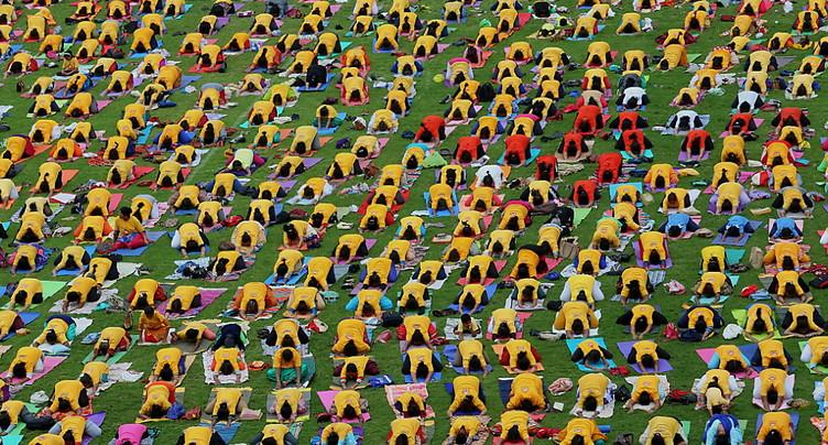 L'Inde s'étire pour la Journée internationale du yoga