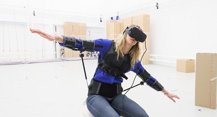 EPFL: les mouvements du torse pour piloter un drone
