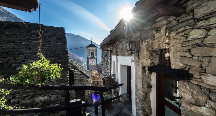 Le plus petit village de Suisse se transforme en hôtel
