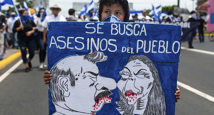 Nicaragua: l'opposition manifeste, le pouvoir se durcit
