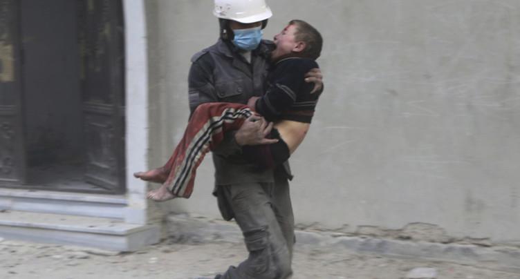 Des centaines de Casques blancs évacués via Israël vers la Jordanie