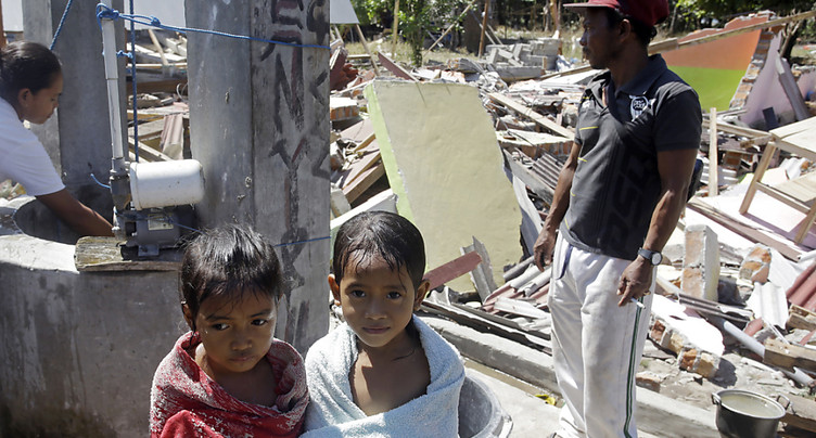 Le bilan du séisme de Lombok dépasse les 430 morts