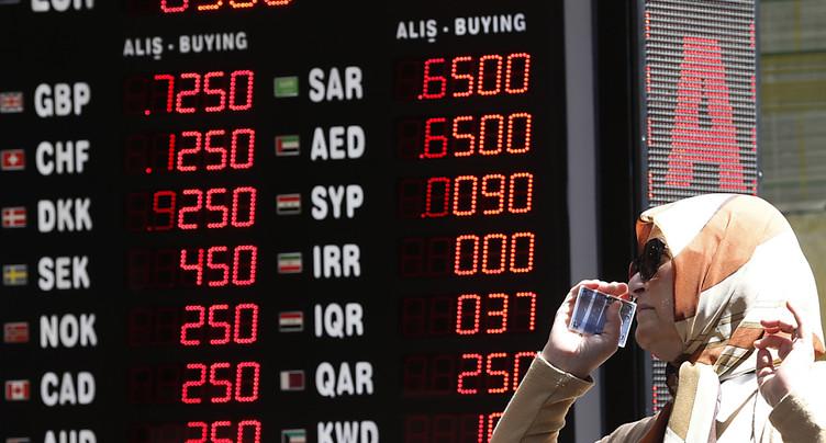 La Turquie tente d'enrayer la débâcle de la livre