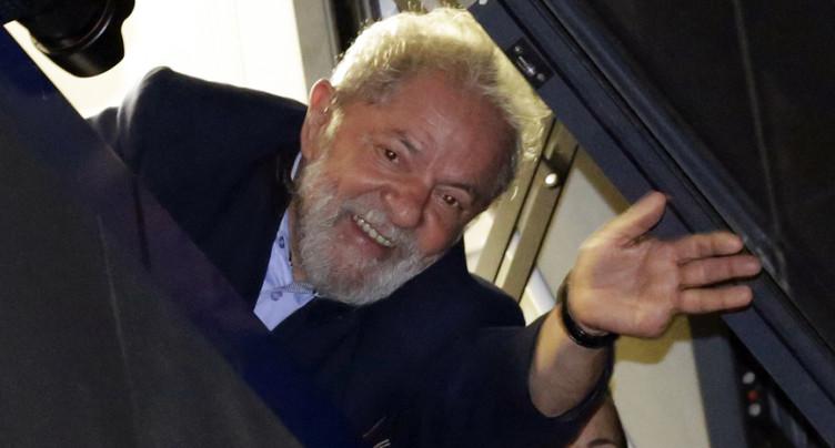 Dépôt de la candidature du prisonnier Lula à la présidentielle