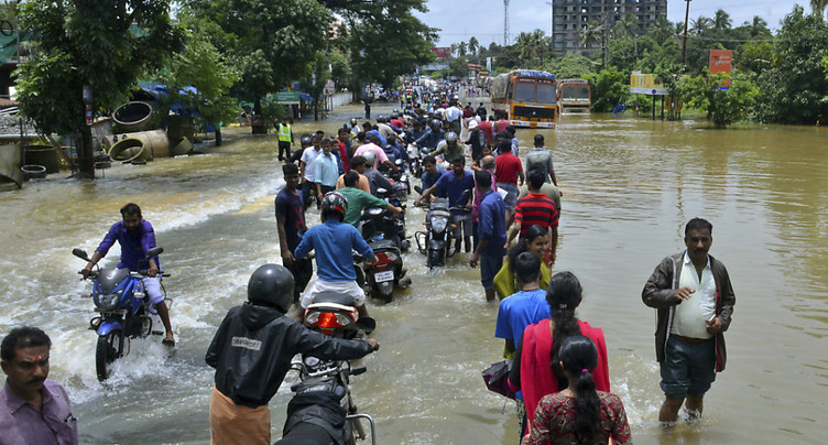 Plus de 160 morts dans les inondations en Inde