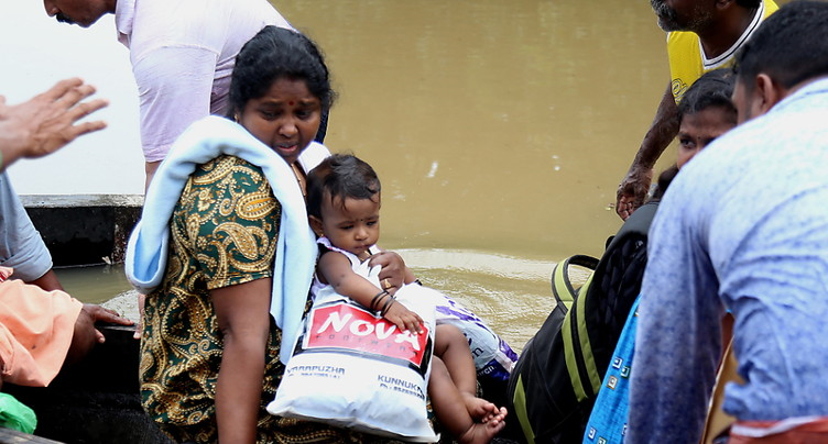 Décrue au Kerala, bilan à plus de 400 morts