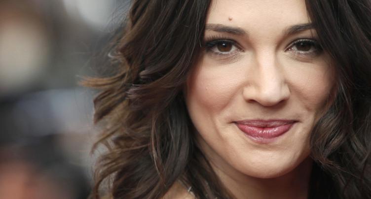 L'actrice Asia Argento nie toute relation sexuelle avec un acteur