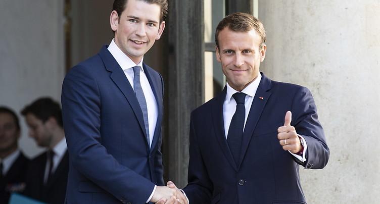Kurz veut un sommet UE-Afrique, Macron insiste sur les expulsions