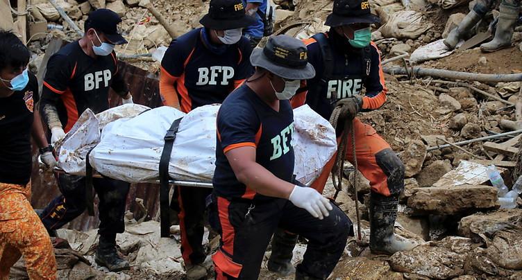Au moins trois morts dans un glissement de terrain aux Philippines