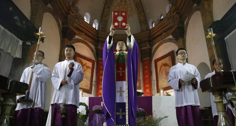 Nomination d'évêques: signature d'un accord préliminaire historique entre le Vatican et la Chine