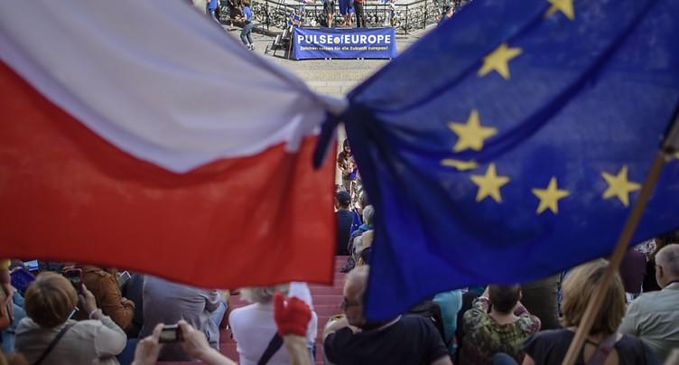 L'Union européenne porte plainte contre la Pologne devant la CJUE