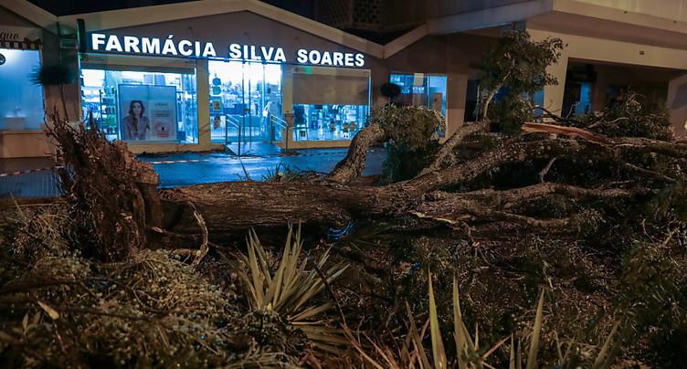 La tempête Leslie frappe le Portugal avant de s'essouffler