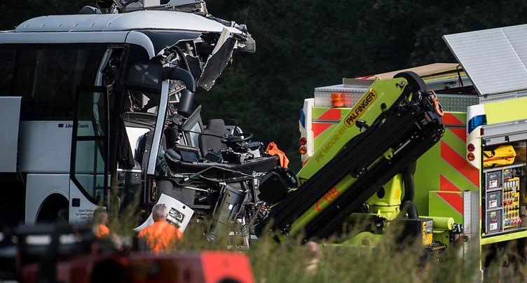 Un rapport technique est demandé après l'accident de car au Tessin