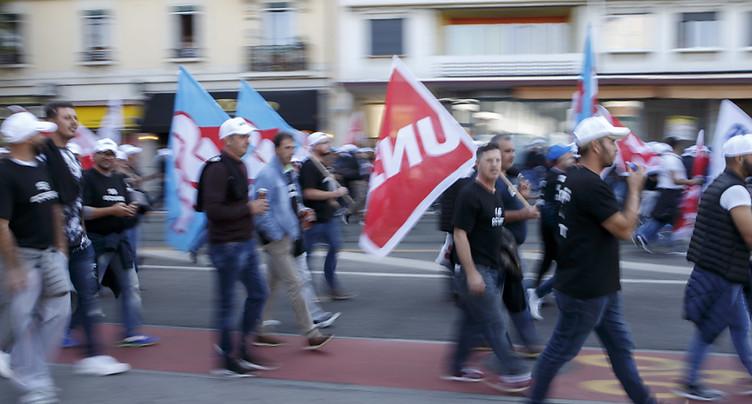 Quelque 1800 maçons dans les rues de Genève