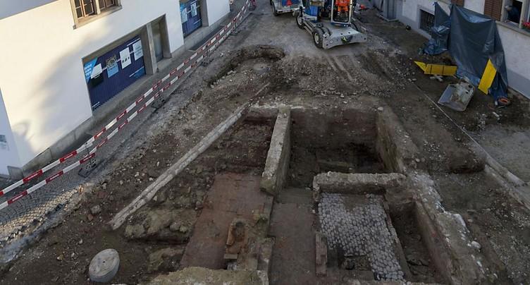 Découverte de bains publics datant du Moyen-Age à Zofingue (AG)