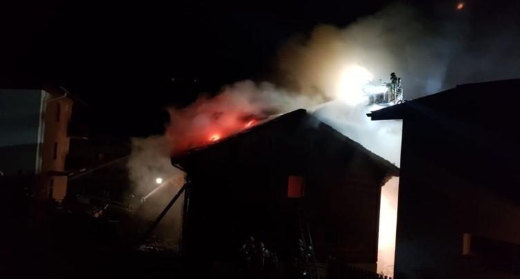 Maison en flamme au-dessus de Viège: un mort