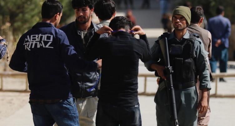 Législatives afghanes: reprise du vote dans les bureaux fermés samedi