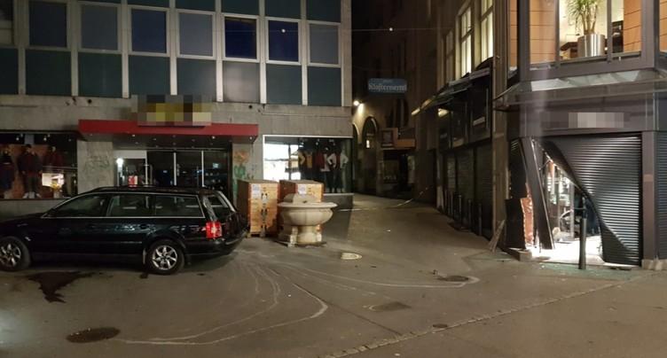 Une bijouterie attaquée à la voiture-bélier à St-Gall