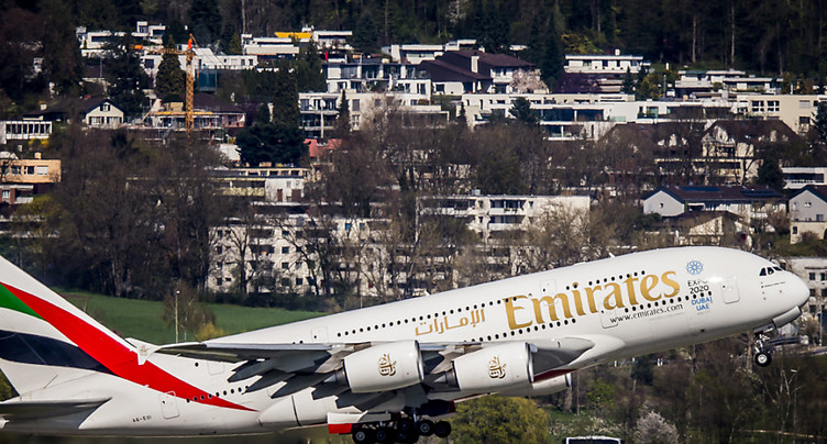 Emirates: bénéfice semestriel plombé par les coûts du pétrole