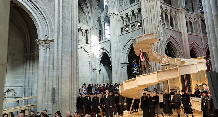 Nabucco de Verdi dans une cathédrale de Lausanne métamorphosée