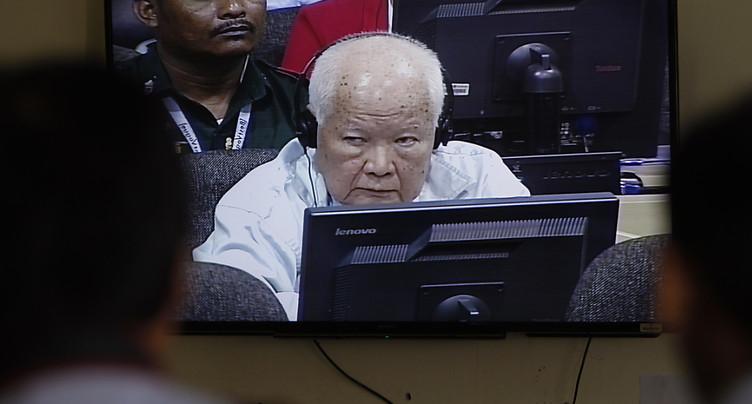 Deux anciens dirigeants khmers rouges condamnés pour « génocide »
