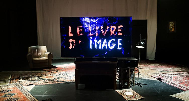 « Le livre d'image », une projection très Godard au théâtre de Vidy