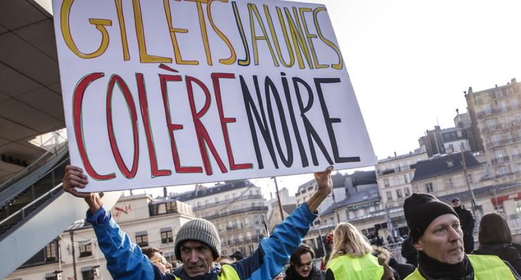 « Gilets jaunes »: le président français face à une fronde populaire