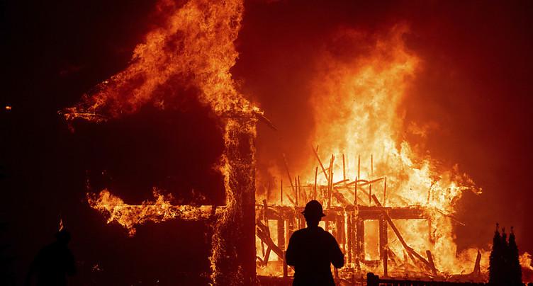 Incendies en Californie: le bilan du Camp Fire passe à 76 morts