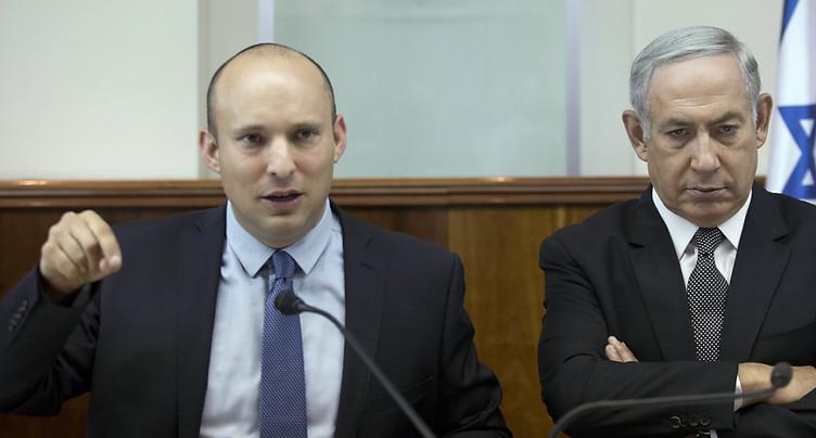 Israël: un ministre clé reste au gouvernement