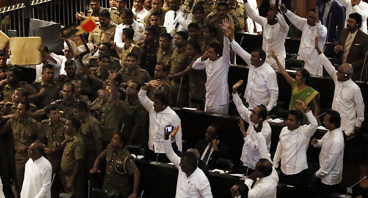 La session parlementaire tourne court au Sri Lanka