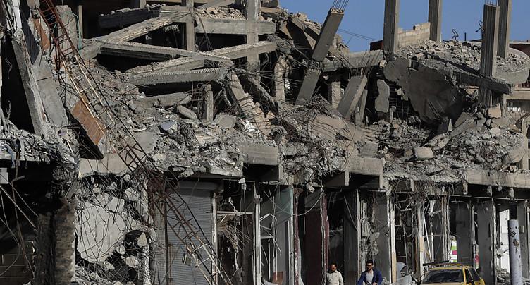 Amnesty lance une enquête sur l'impact des frappes à Raqa