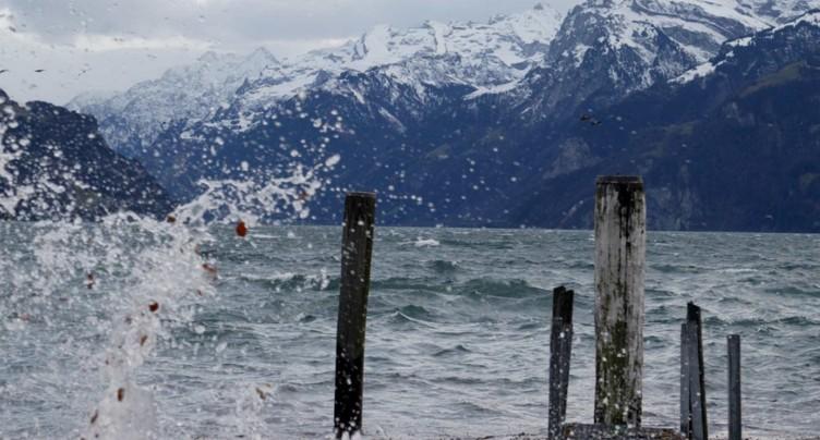 Des vents tempétueux balayent la Suisse