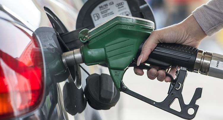 Hausse des prix d'essence et d'avion au menu du National