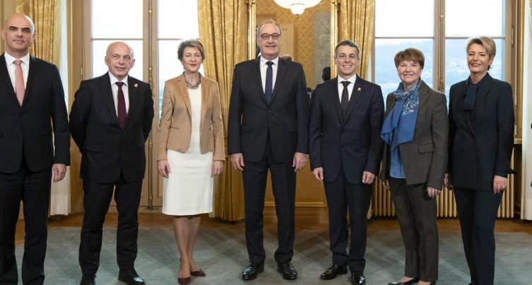 Rocade au gouvernement: nouvelles têtes pour quatre départements