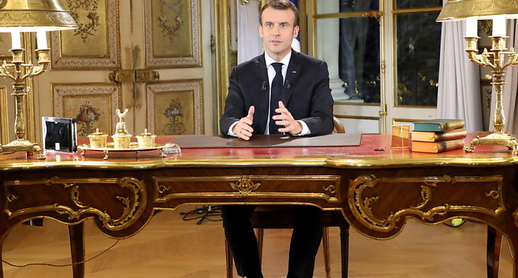 Emmanuel Macron décrète « l'état d'urgence économique et sociale »