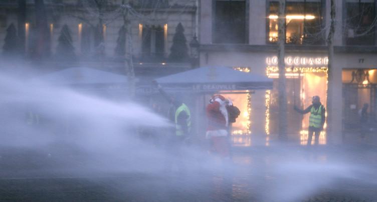 « Gilets jaunes »: mobilisation « plus faible » à Paris