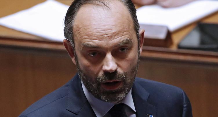« Gilets jaunes »: « Nous avons fait des erreurs », concède Philippe