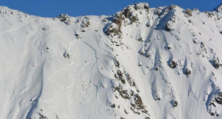 La mort blanche frappe une jeune skieuse étrangère à Haute-Nendaz