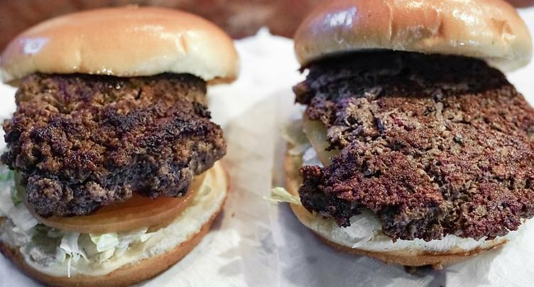 Il faut manger moins de viande et plus de noix, disent des experts