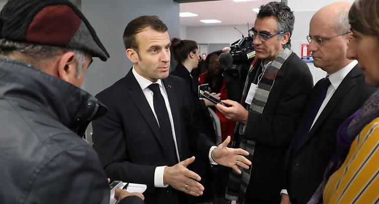Macron poursuit le « grand débat », nouvelle manifestation prévue