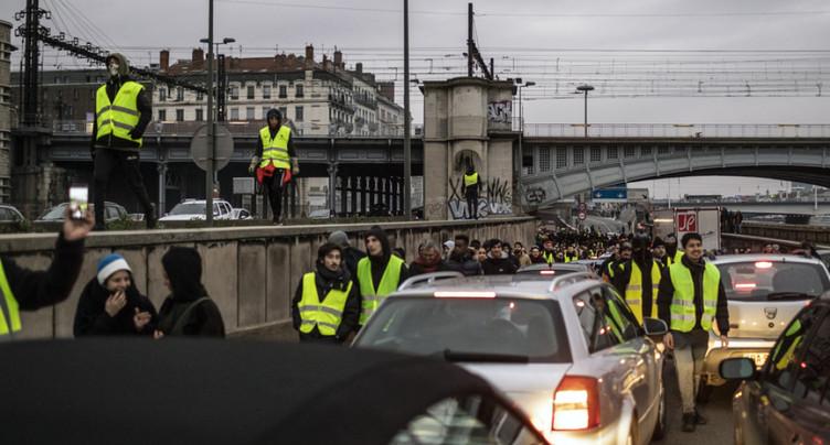 Les « Gilets jaunes » à nouveau dans la rue après les premiers débats