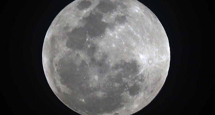 L'ESA étudie la possibilité d'aller sur la Lune
