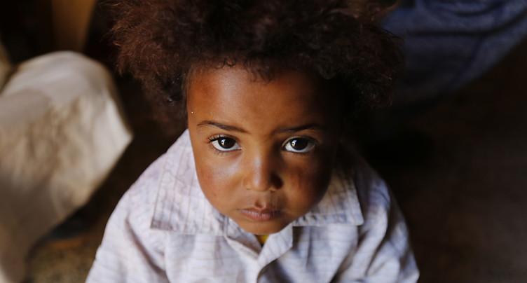 Plus d'enfants meurent dans les pays en guerre que de combattants