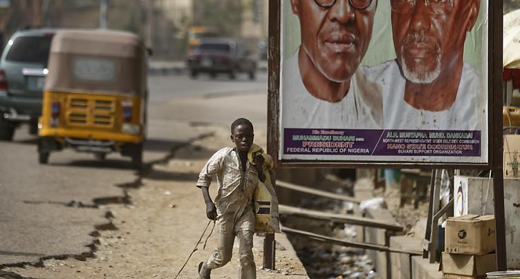 Le Nigeria reporte son élection présidentielle d'une semaine