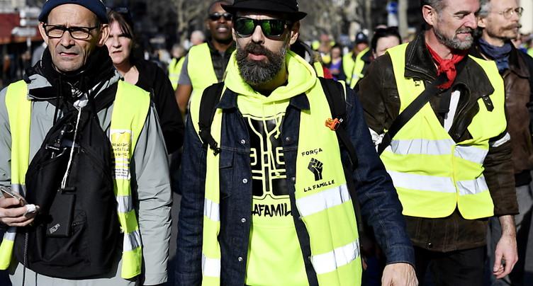 Les « gilets jaunes » de retour dans la rue pour un acte 14