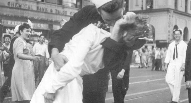 Mort du marin auteur du baiser de Times Square en 1945